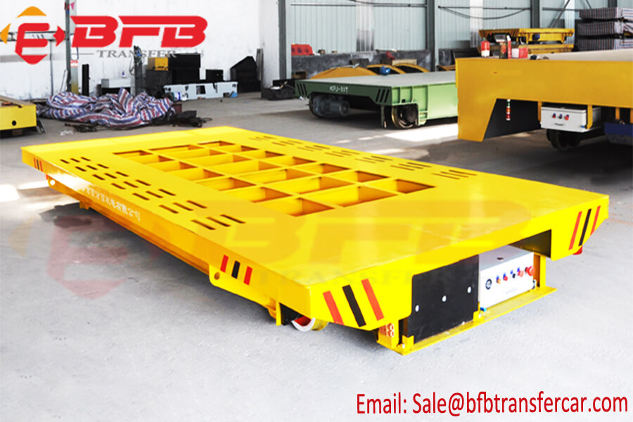 Yellow 10T Outdoor Heavy Duty Transport Trolley Moved On Rails For Tunnel Application